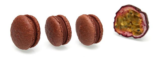 Macarons Mogador de Pierre Hermé - fruit de la passion et chocolat au lait