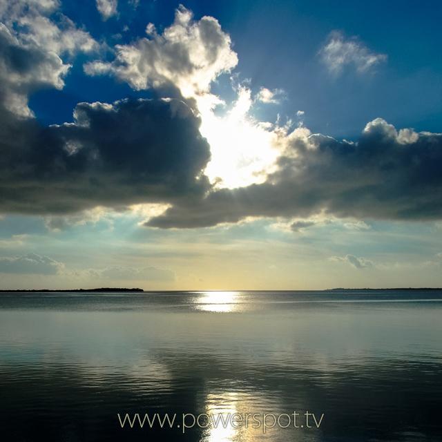 バハマ、ビミニ島の海 2008.11.5撮影