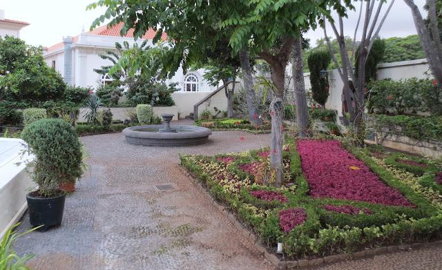 a garden in Palácio de São Lourenço