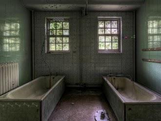 KnfGame Abandoned Hostel Escape