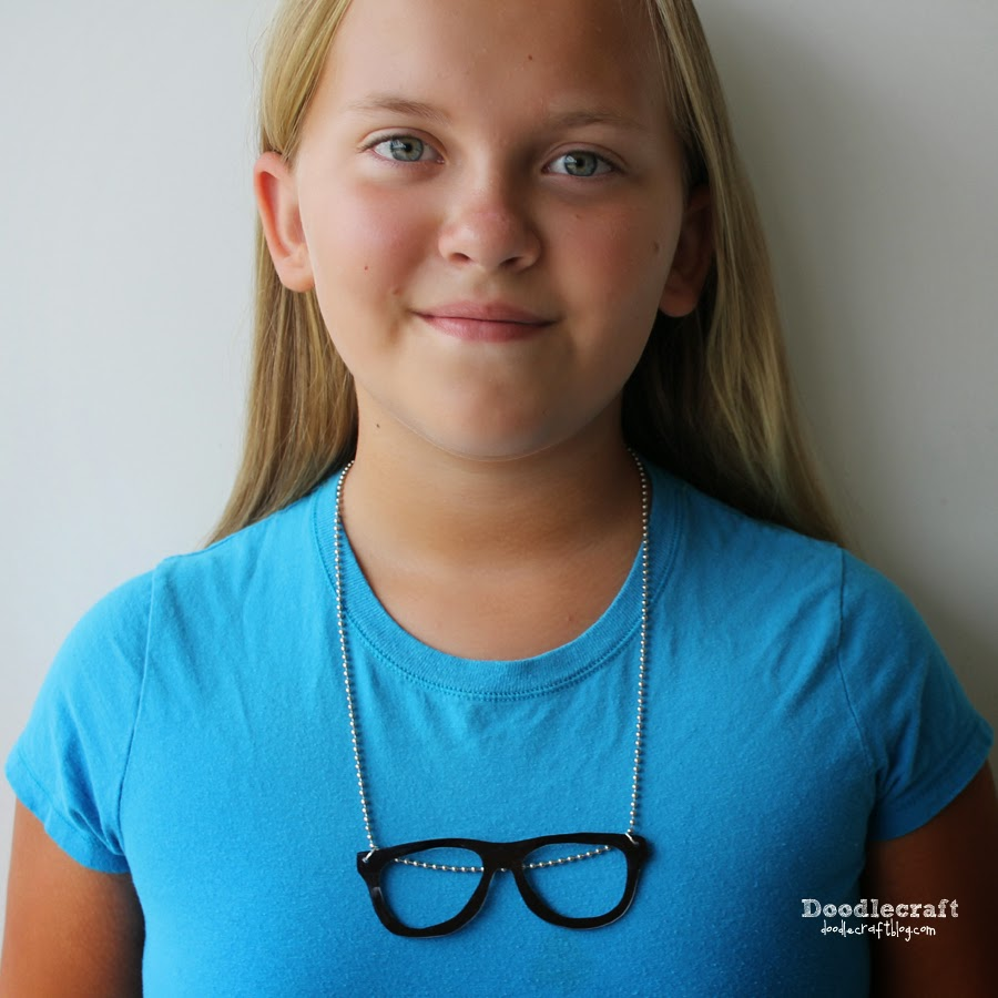 Geek And Cat Eye Glasses Necklaces-8495