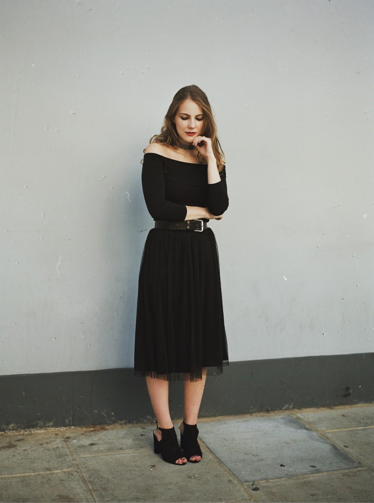 long tulle skirt, black tulle skirt, tulle skirt, black tutu skirt, how to wear tulle skirt