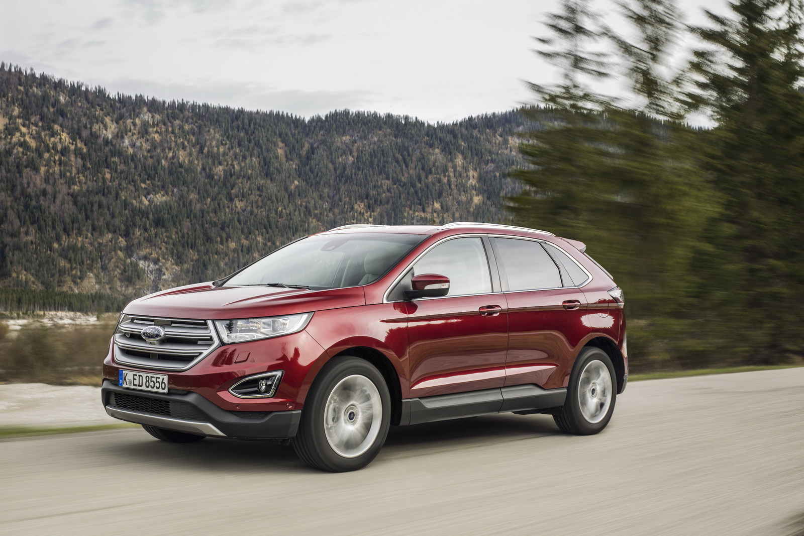 europe s ford edge premium suv hits the market carscoops. Black Bedroom Furniture Sets. Home Design Ideas