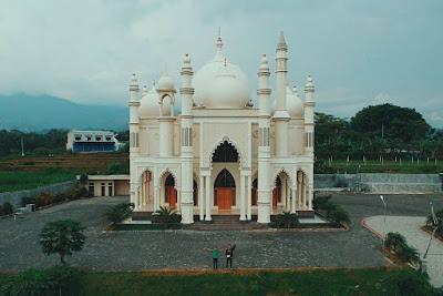 Masjid Dau mirip Taj Mahal