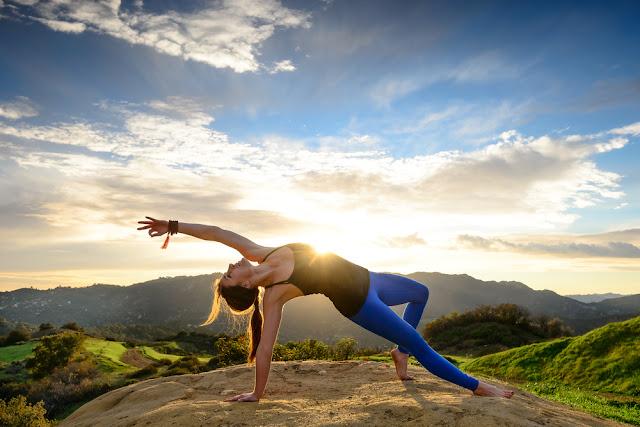 Lý do nên luyện tập Yoga ở ngoài thay vì phòng tập