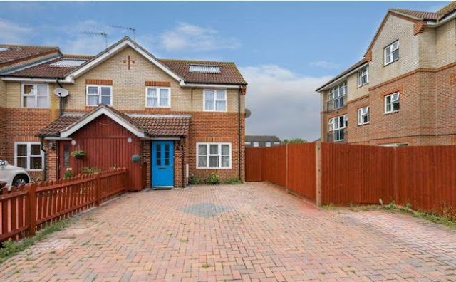 2 bed house, Swanfield Dr, Chichester