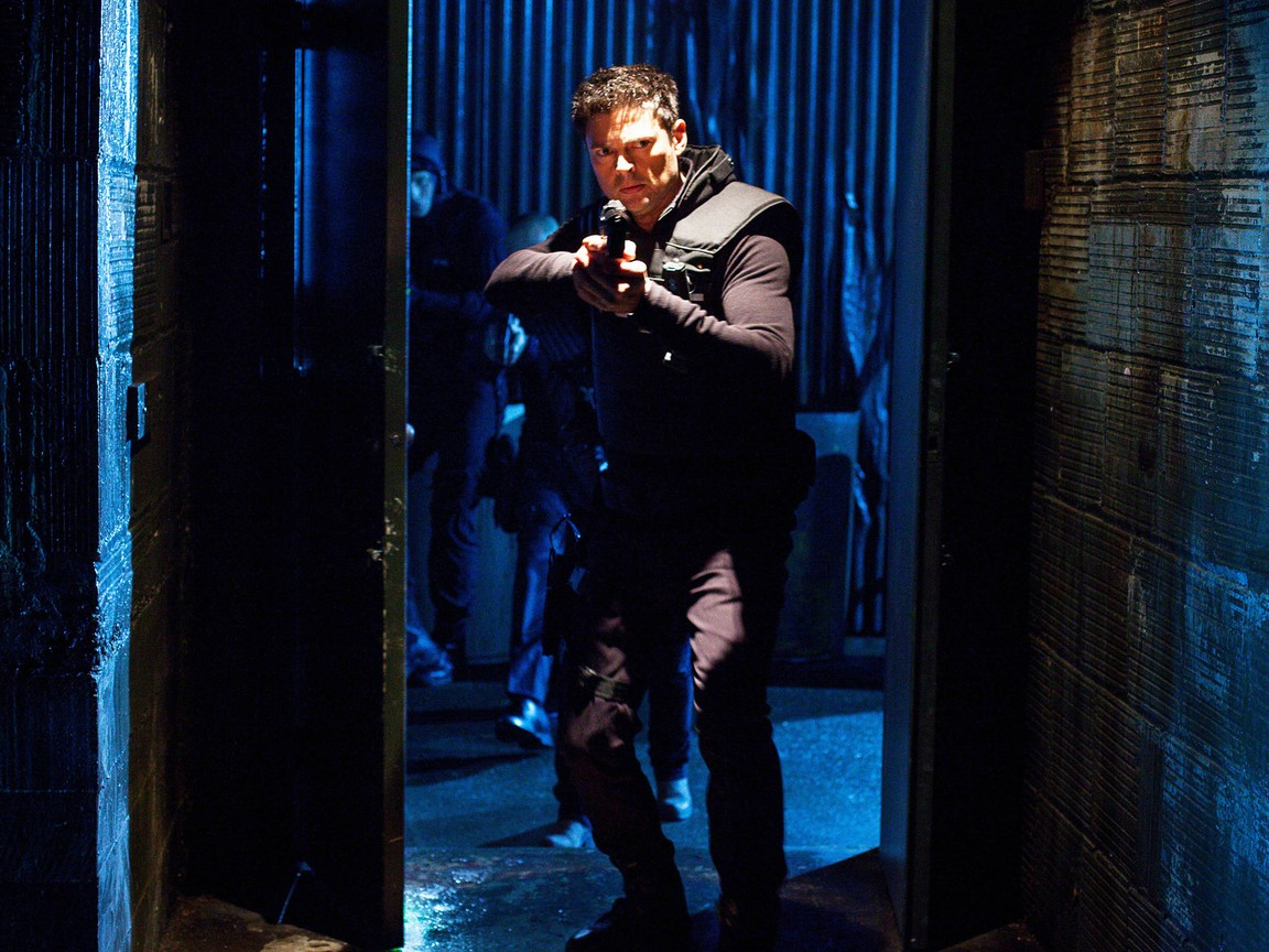 Watch Almost Human Online - Full Episodes of Season 1 | Yidio
