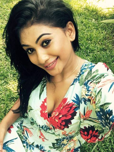 Sri Lankan Hot Actress Gossip