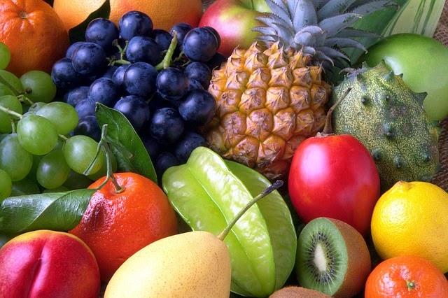 frutas en la cocina de la abuela