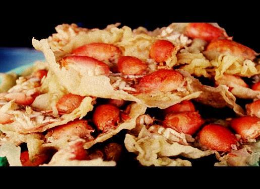 Hasil gambar untuk foto rempeyek yutuk