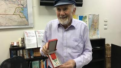 Locutor de rádio mais velho do mundo é sobrevivente do Holocausto