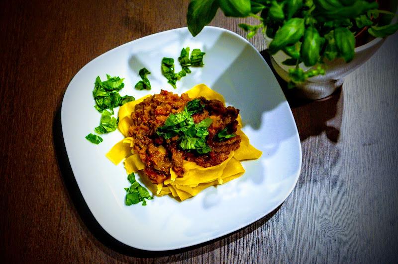 Makaron z sosem śródziemnomorskim