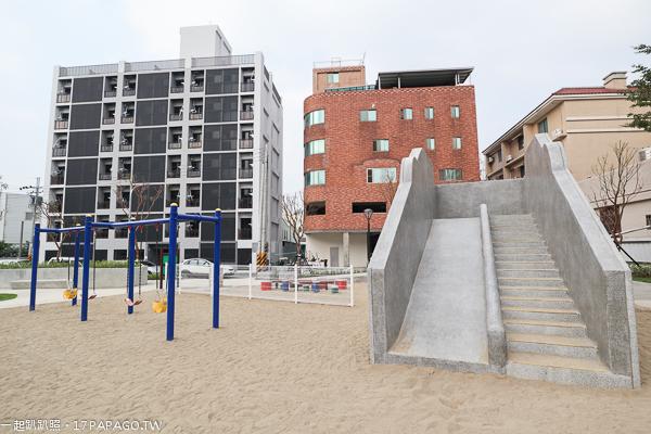 台中太平兒1公園(東村公園)|12感官遊具、磨石子溜滑梯、沙坑沙桌