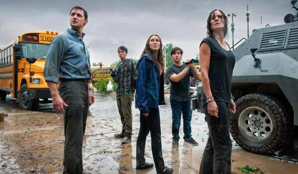 Into The Storm tornado movie cast