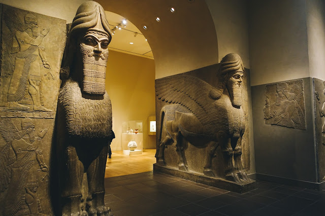 人頭有翼獅子像(Human-headed winged lion (lamassu))