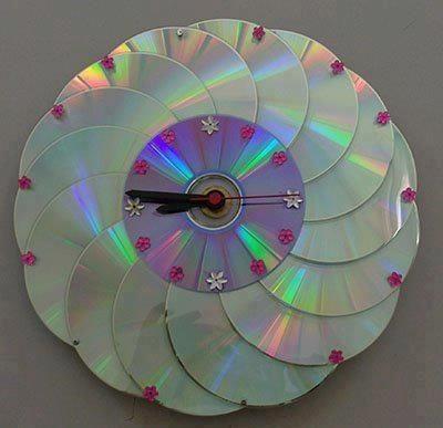 Jam terbuat dari CD/DVD bekas