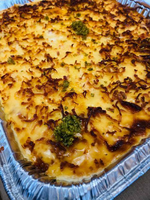 Cheesy baked beef macaroni