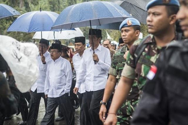 Jokowi - JK Besuk Korban Bom Kampung Melayu di RS Polri