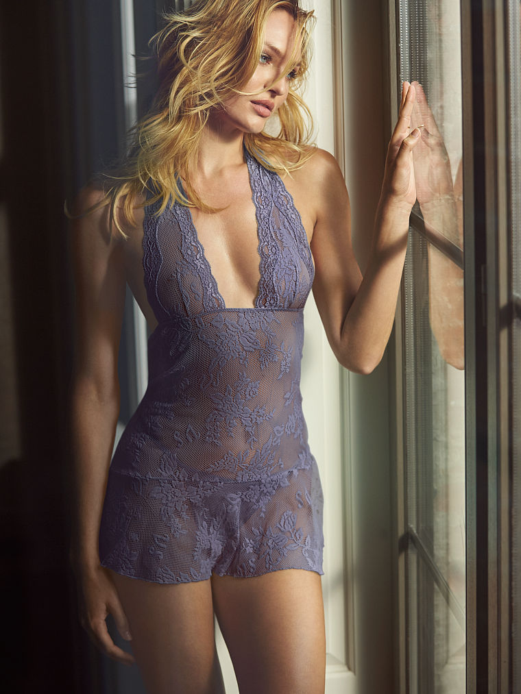 Candice Swanepoel Is A Bombshell For Victorias Secret