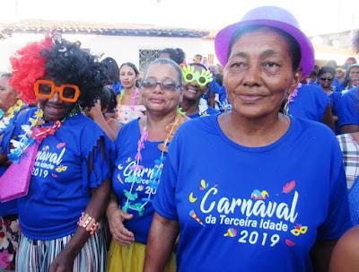 Prefeitura de Riachuelo promove bloco de carnaval para idosos