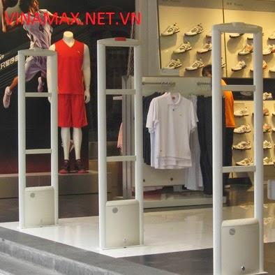 Máy chống trộm quần áo tại shop thời trang - 136039