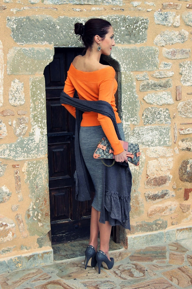 best gray and orange winter looks