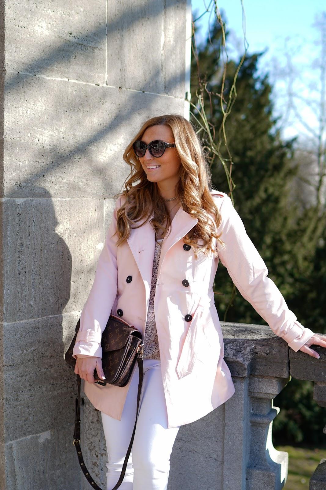 LV-Mettis-tasche-streetone-Pastellfarbener-Trenchcoat-Frühlingslook-Blogger-Trend-Trendjacke-was-ist-aktuell-angesagt-trenchcoat-fashionstylebyjohanna-blogger-aus-frankfurt