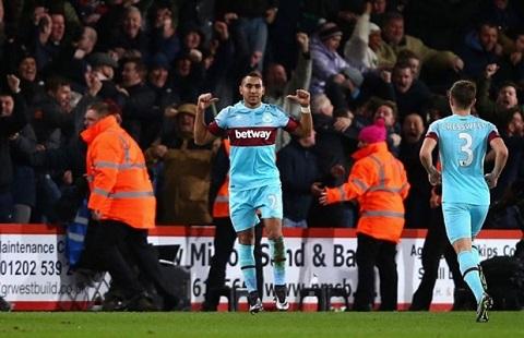 Dimitri Payet giúp West Ham có chiến thắng dễ dàng trước AFC Bournemouth