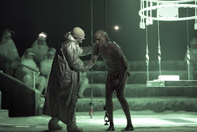 Mark Grey: Frankenstein (Photo La Monnaie/La Fura dels Baus)