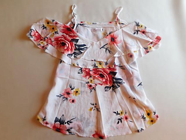 floral top, review, recenzija, summer, ljeto, fashion, moda, spring, proljeće, svjetni uzorak, white, bijeli,