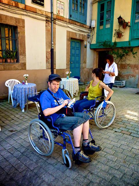 Plaza del Paraguas Oviedo en silla de ruedas