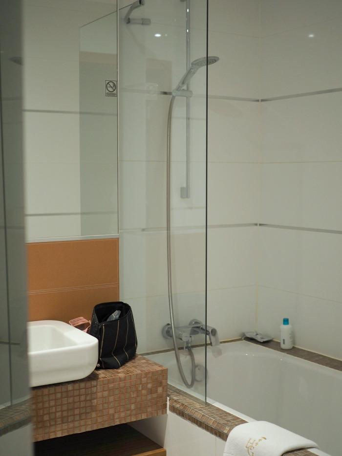 gdansk bathroom