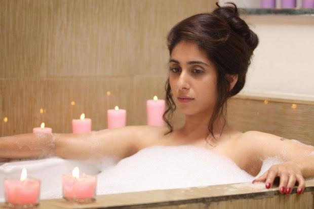 Neha Bhasin Hot Bathing Video - Free Indian Actress Blue -6140