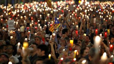 Iglesias, lazos, separatismo, banco, crédito, nacionalismo