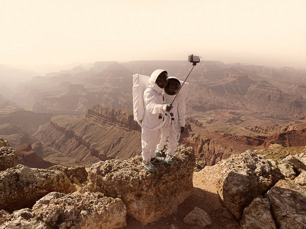 Julien Mauve | Greetings From Mars