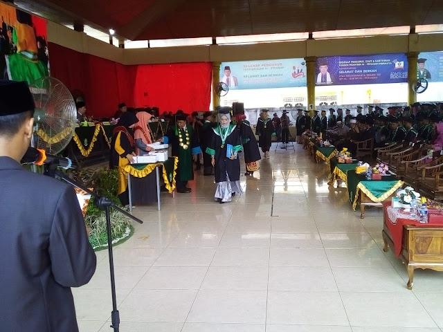 110 Mahasiswa STITQI Diwisuda