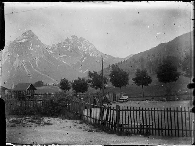 Foto von Lermoos aus Richtung Sonnenspitze, Marienbergspitzen und Wampeter Schrofen - um 1914-1920