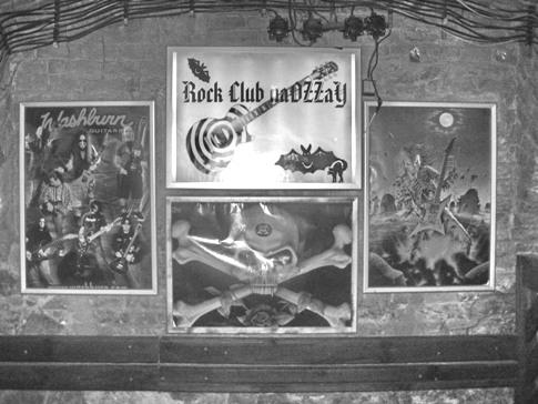 Rock Club očami štamgastov, Rock Club naOZZaY, kniha o naOZzaY, fotografie, Ján Mihál, Martin Užák