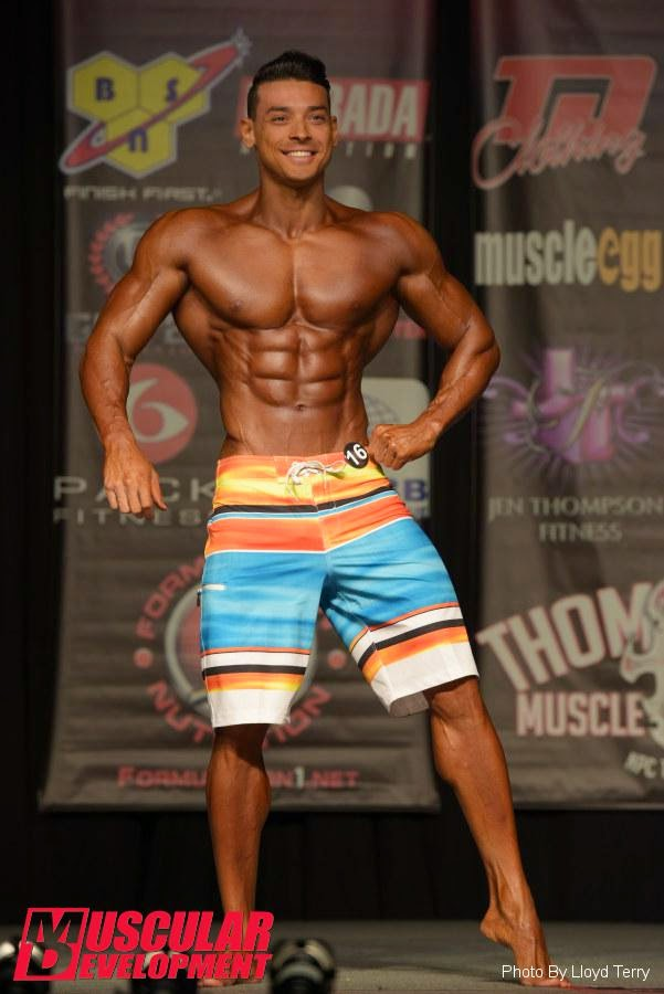 Posedown de Felipe Franco no palco do Dallas IFBB pro 2014.  Foto: Terry Lloyd / Muscular Development