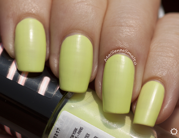 Maybelline Bleached Neons 244 Chic Chartreuse