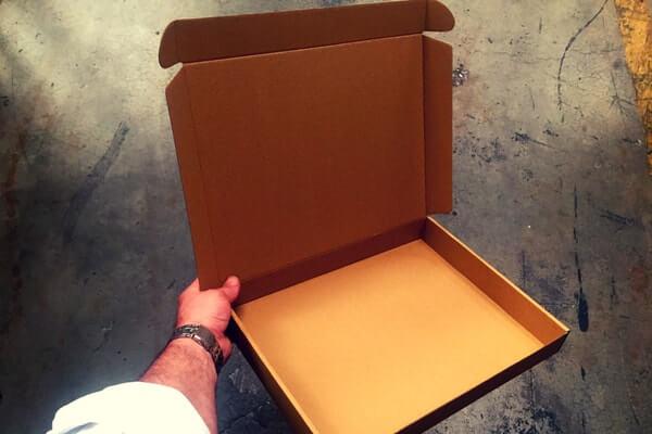cajas automontables para ropa deportiva