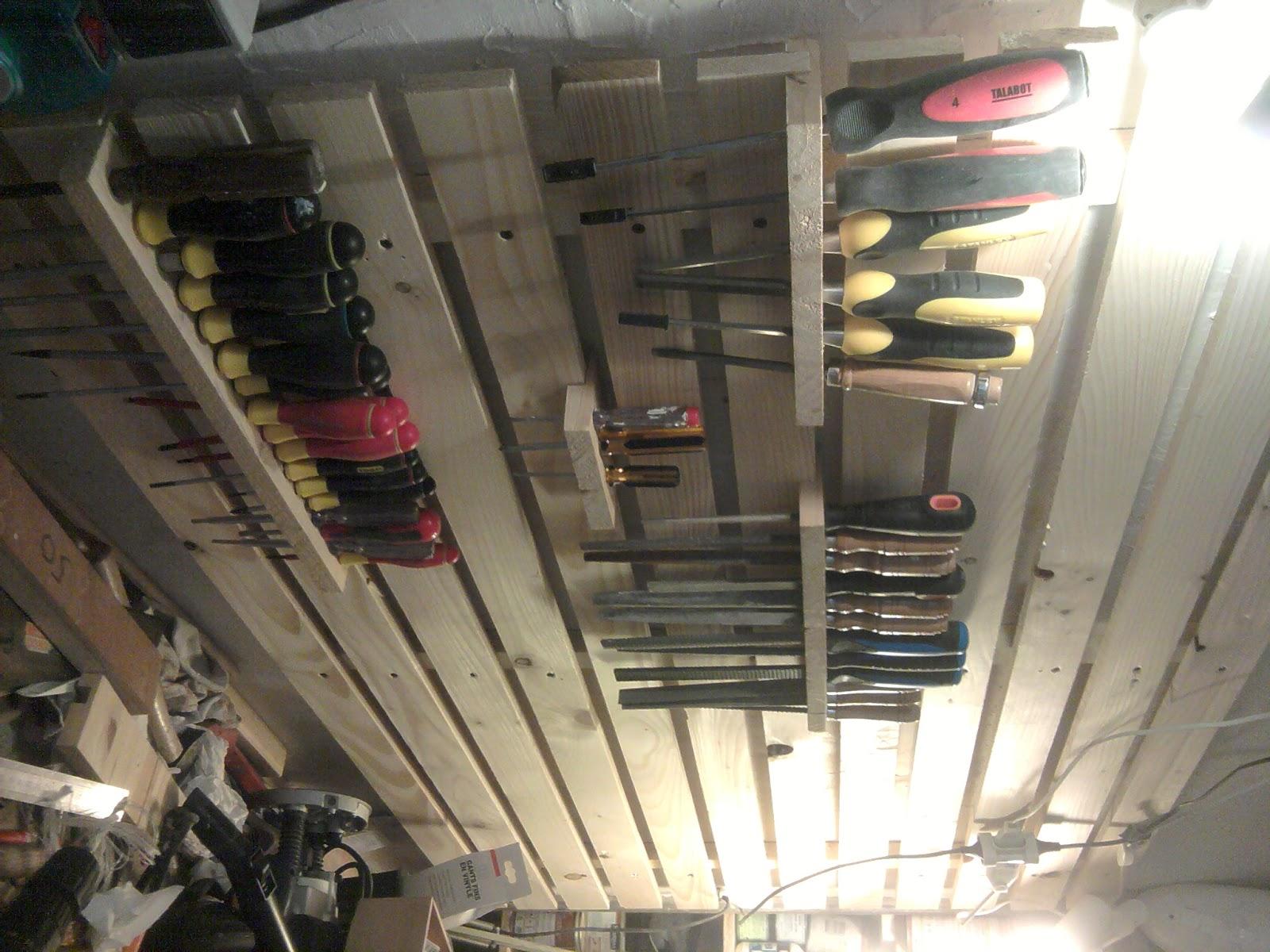 touche du bois am nagement d 39 atelier. Black Bedroom Furniture Sets. Home Design Ideas