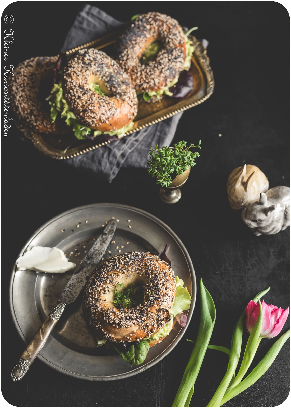 Everything Bagel mit Avocado-Eiersalat