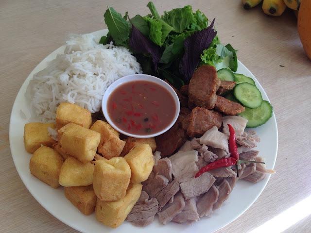 Hanoi's unique food on Phat Loc Street 3
