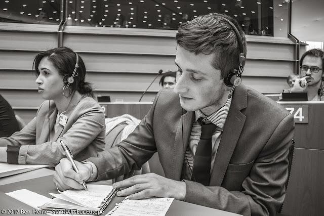Bàlint Gyévai - Stand Up For Europe - Students for Europe - European Parliament - Photo par Ben Heine