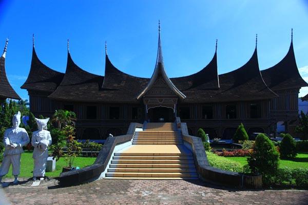 """Museum Adytiawarman """"ada lebih dari 23 ribu koleksi"""""""