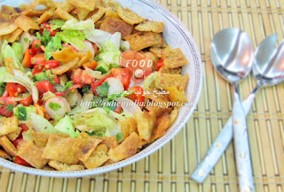 Fattoush with Pomegranate Molasses فتوش بدبس الرمان