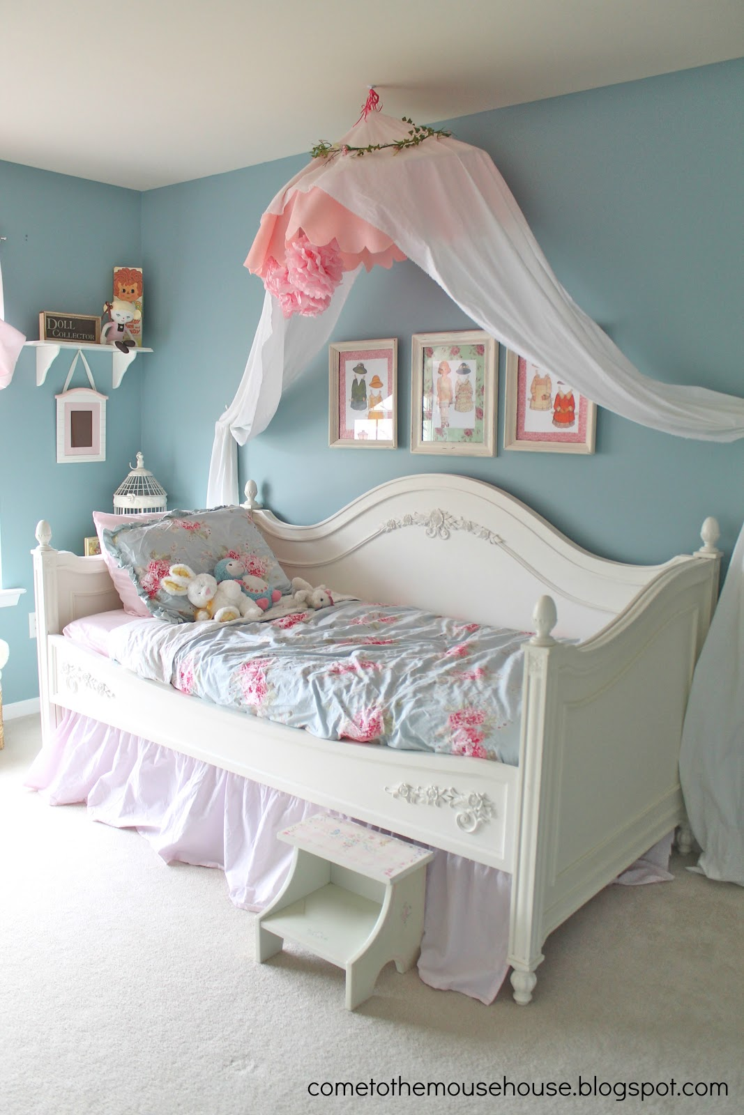 Shabby Chic Bedroom: Reveal! - welcometothemousehouse.com