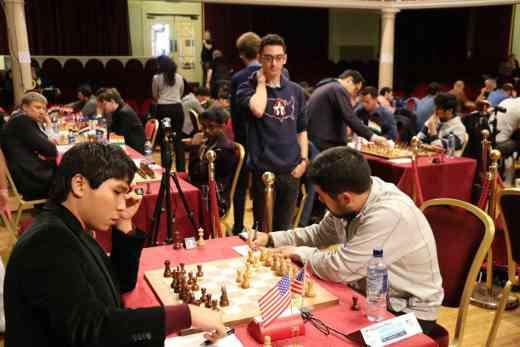 Les américains Wesley So face à Hikaru Nakamura sous le regard de Fabiano Caruana - Photo © site officiel