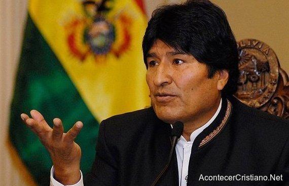 Evo Morales prohíbe predicar el Evangelio